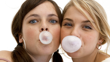 Rotator of two girls for chewing gum quiz