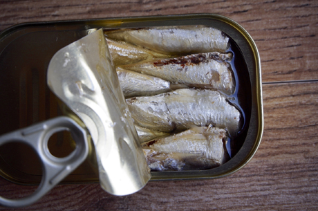 open canned sardines